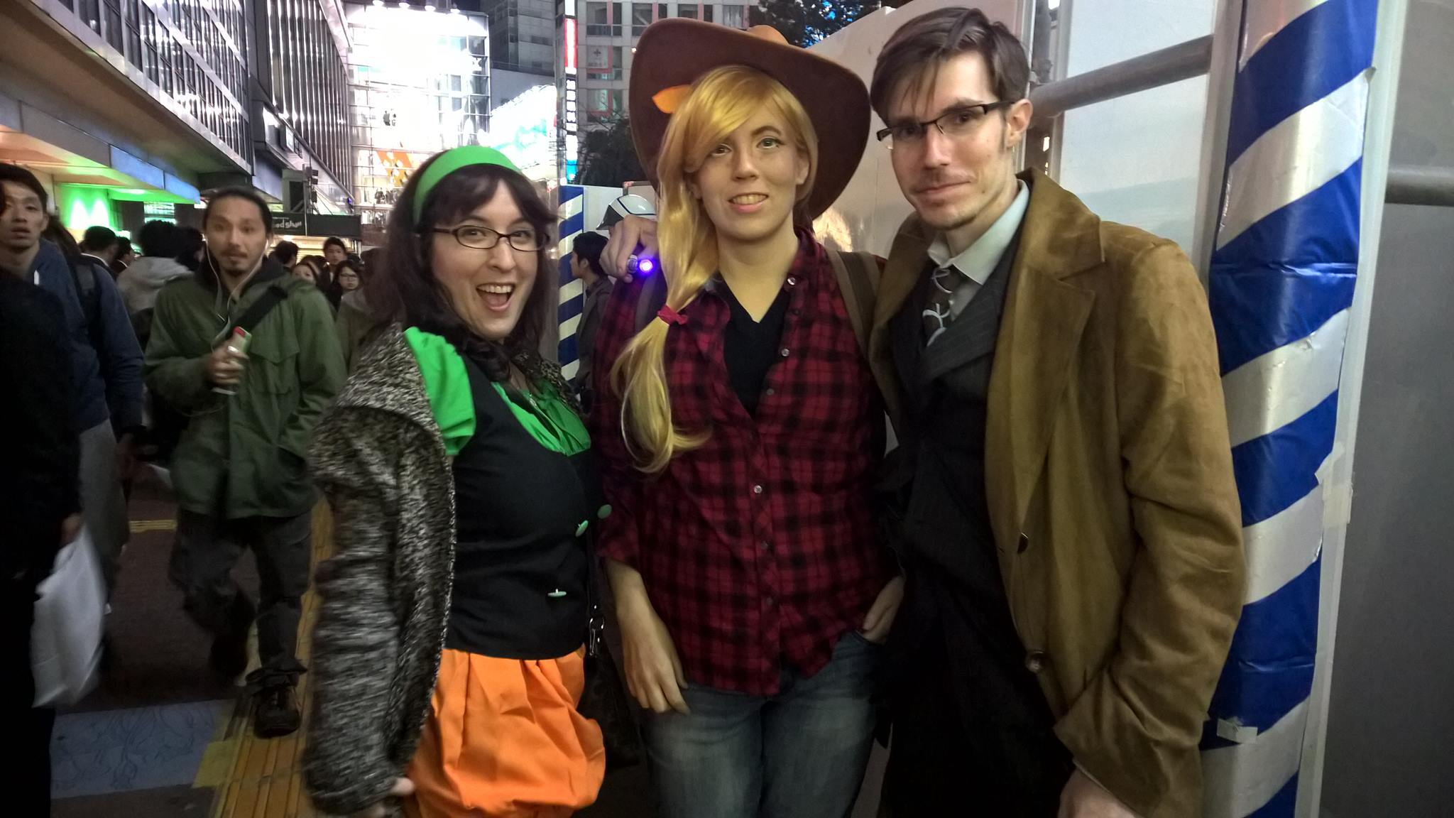 Pumpkin, Applejack, and the Doctor